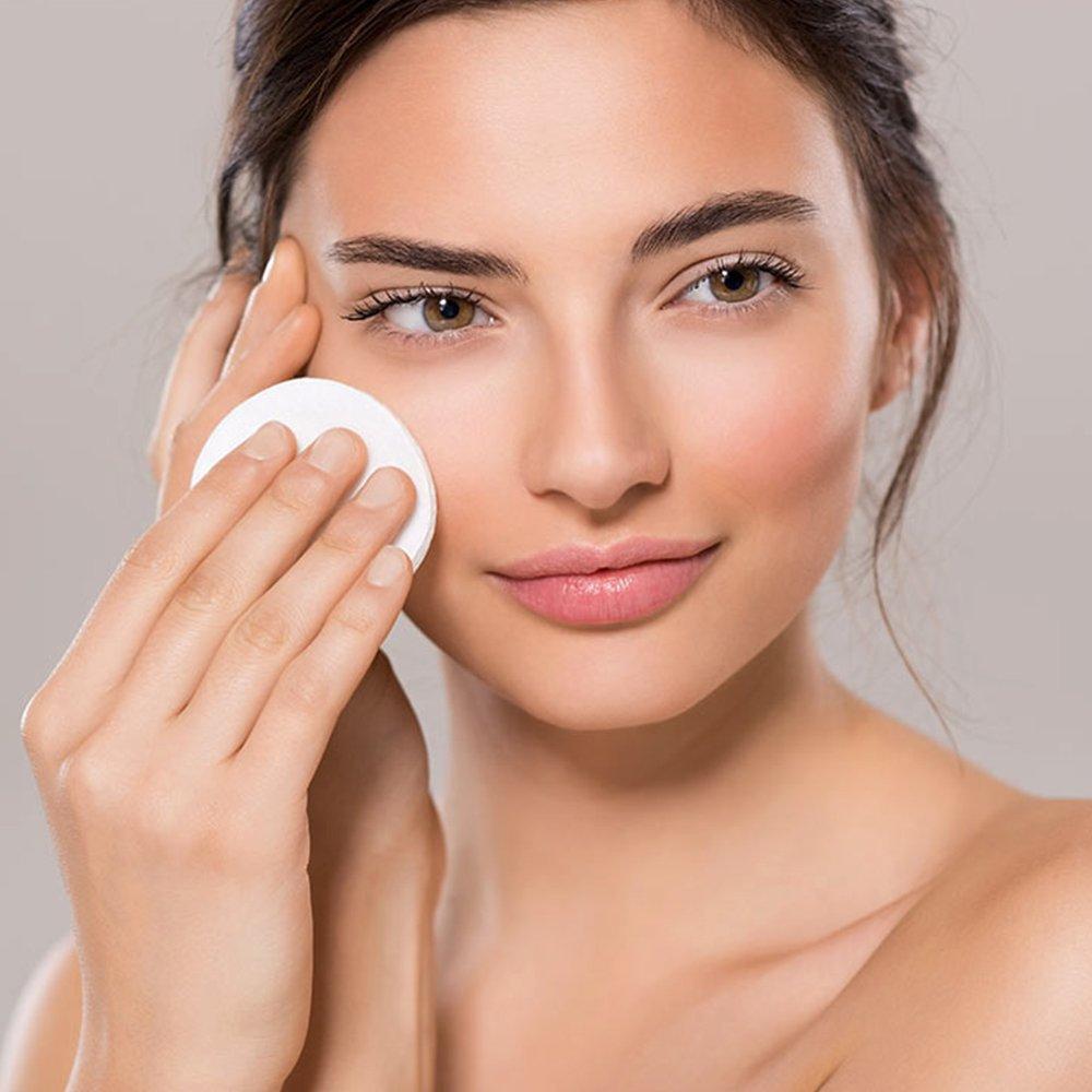 Apply Minimum Makeup